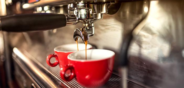 5 trikov, ki jih mora poznati vsaka ljubiteljica kave